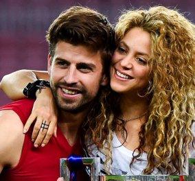 Τα πανέμορφα αγόρια της Shakira & του Pique φόρεσαν τις φανέλες της Κολομβίας & είδαν το Μουντιάλ! (ΦΩΤΟ) - Κυρίως Φωτογραφία - Gallery - Video