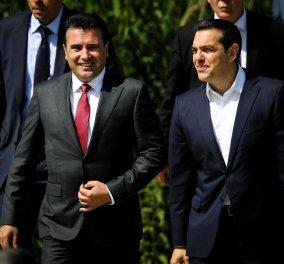 H υπογραφή της ιστορικής συμφωνίας Ελλάδας - ΠΓΔΜ στις Πρέσπες μέσα από τον φωτογραφικό φακό - Ο Ζάεφ έδωσε τη γραβάτα του στον Τσίπρα (ΦΩΤΟ & VIDEO) - Κυρίως Φωτογραφία - Gallery - Video