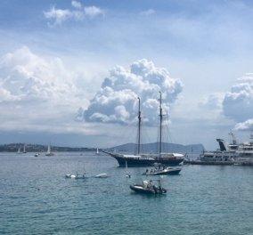«Spetses Live - Regatta 2018»: Με υπέροχα παλιά ιστιοπλοϊκά στον Αργοσαρωνικό - Παρών ο τέως Βασιλιάς Κωνσταντίνος (ΦΩΤΟ) - Κυρίως Φωτογραφία - Gallery - Video