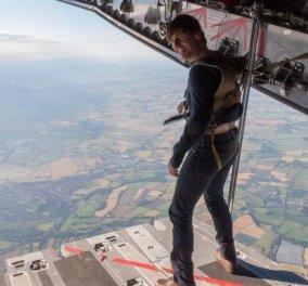 Ο Τομ Κρουζ εντυπωσιάζει: Κάνει ελεύθερη πτώση από ύψος 25.000 ποδιών (ΦΩΤΟ & VIDEO) - Κυρίως Φωτογραφία - Gallery - Video