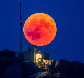 Μαγεία! Το ματωμένο φεγγάρι πάνω από τον πλανήτη! - Συναρπαστικές εικόνες - Κυρίως Φωτογραφία - Gallery - Video