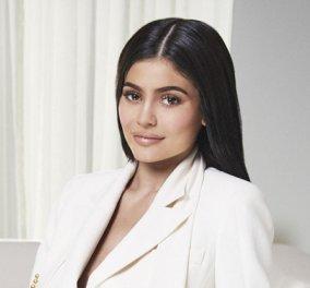 Κάιλι Τζένερ: Η νεότερη δισεκατομμυριούχος παγκοσμίως μόλις 21 ετών! Πως τα καλλυντικά της ξεπουλήθηκαν σε χρόνο- ρεκόρ (ΦΩΤΟ-ΒΙΝΤΕΟ)  - Κυρίως Φωτογραφία - Gallery - Video