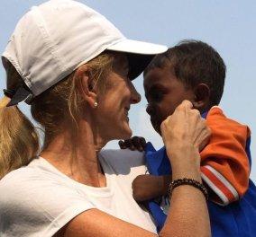 Πρώην Βασίλισσα της ομορφιάς κέρδισε το λαχείο & έγινε «Μητέρα Τερέζα» - όλα σε φιλανθρωπίες σε όλο τον πλανήτη (φωτο-βιντεο) - Κυρίως Φωτογραφία - Gallery - Video