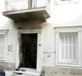 Αλέκος Φλαμπουράρης: Μπαράζ επιθέσεων έξω από το σπίτι του στα Εξάρχεια - Κυρίως Φωτογραφία - Gallery - Video
