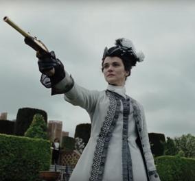 Τρέιλερ από τη νέα ταινία του Γιώργου Λάνθιμου: Ερωτικά τρίγωνα με τη Βασίλισσα Άννα και τη Σάρα, κρυφή ερωμένη της (Βίντεο) - Κυρίως Φωτογραφία - Gallery - Video