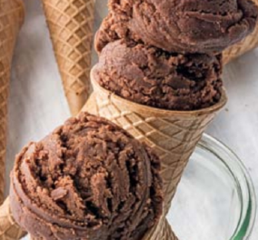 Η εκπληκτική Αργυρώ Μπαρμπαρίγου προτείνει το πιο δροσιστικό επιδόρπιο: Vegan παγωτό κακάο χωρίς ζάχαρη!   - Κυρίως Φωτογραφία - Gallery - Video