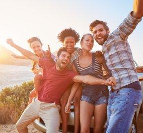 Έχουμε λιγότερους φίλους από όσους νομίζουμε πως έχουμε;  - Κυρίως Φωτογραφία - Gallery - Video