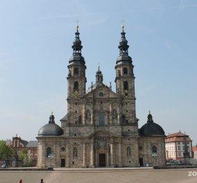 Φρίκη με την είδησή ότι χιλιάδες παιδιά κακοποιήθηκαν από καθολικούς παπαδες στη Γερμανία  - Κυρίως Φωτογραφία - Gallery - Video