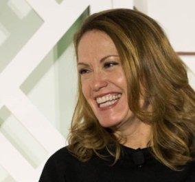 Αυτή που τρέχει Μαραθώνιο είναι η αντιπρόεδρος της Microsoft: Ποιο είναι το μυστικό των διαπραγματεύσεών της (Φωτό) - Κυρίως Φωτογραφία - Gallery - Video