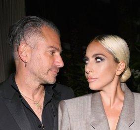 Lady Gaga: Δείτε το διαμαντένιο δαχτυλίδι αρραβώνων που της έδωσε ο Κρίστιαν Καρίνο - Ποια η αξία του (Φωτό) - Κυρίως Φωτογραφία - Gallery - Video