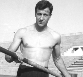 Vintage story: 1970 η στιγμή  που ο Χρήστος Παπανικολάου κάνει το πρώτο ελληνικό παγκόσμιο ρεκόρ στο άλμα επί κοντώ -  Ιαχές θριάμβου ακούγονται παντού  - Κυρίως Φωτογραφία - Gallery - Video