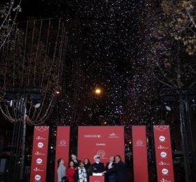 Μαγεία δια χειρός Καρλ Λάγκερφελντ στο Παρίσι: Ο βασιλιάς της Chanel άναψε τα χριστουγεννιάτικα φώτα στα Ηλύσια Πεδία (φωτό- βίντεο) - Κυρίως Φωτογραφία - Gallery - Video