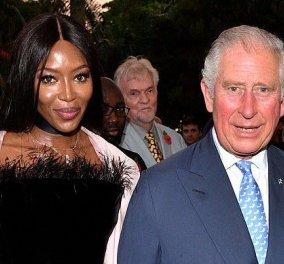 Απαστράπτουσα η Ναόμι Κάμπελ σχεδόν αγκαλιά με τον Κάρολο της Αγγλίας στα προεόρτια των 70ών γενεθλίων του (φωτό & βιντεο) - Κυρίως Φωτογραφία - Gallery - Video