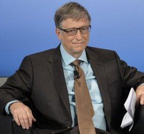 Μπιλ Γκέιτς: Εμφανίστηκε δημοσίως κρατώντας ένα δοχείο γεμάτο με περιττώματα - Κυρίως Φωτογραφία - Gallery - Video
