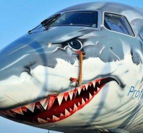 Το πιο άγριο αεροπλάνο του κόσμου: Έχει σχήμα καρχαρία με έτοιμα τα δόντια του να κατασπαράξει -  Τι άραγε; (φωτό & βίντεο) - Κυρίως Φωτογραφία - Gallery - Video