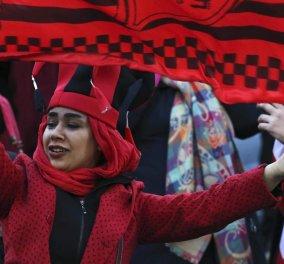 Τεχεράνη ραντεβού κορίτσι τρελός γάντζος πάνω σφεντόνα