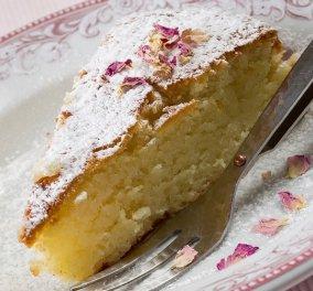 Κέικ με ροδόνερο: Γλυκό που μοσχοβολάει τριαντάφυλλο από τον Στέλιο Παρλιάρο - Κυρίως Φωτογραφία - Gallery - Video