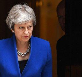Brexit: Έφτασε η κρίσιμη στιγμή! Το υπουργικό Συμβούλιο, η ψηφοφορία και οι θέσεις της Μει (φωτό & βίντεο) - Κυρίως Φωτογραφία - Gallery - Video