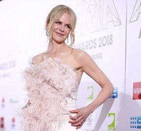 Η Νικόλ Κίντμαν με υπέροχη πουπουλένια ολόσωμη φόρμα στα ARIA Music Awards (φωτό) - Κυρίως Φωτογραφία - Gallery - Video
