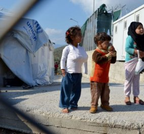Reuters: Προσφυγόπουλα αγοράζουν και πωλούν σεξ στο σκλαβοπάζαρο της Αθήνας  - Κυρίως Φωτογραφία - Gallery - Video