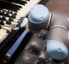 Ο Μπετόβεν – ρομπότ παίζει πιάνο & καταπλήσσει: Φωτό και βίντεο από το επιστημονικό θαύμα - Κυρίως Φωτογραφία - Gallery - Video