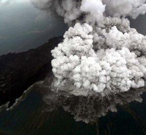 Δείτε τη συνταρακτική στιγμή της έκρηξης ηφαιστείου στην Ινδονησία (Βίντεο) - Κυρίως Φωτογραφία - Gallery - Video