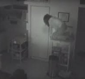 Story of the day: Άστεγη θαυμάστρια διάσημου ηθοποιού ζούσε κρυφά στο σπίτι του, έτρωγε από το ψυγείο του και... - Κυρίως Φωτογραφία - Gallery - Video