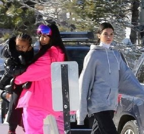 Οι αδερφές Καρντάσιαν κατακτούν τις πλαγιές: Η Κιμ η Κένταλ η Κόρτνεϊ για σκι στο Άσπεν (φώτο) - Κυρίως Φωτογραφία - Gallery - Video