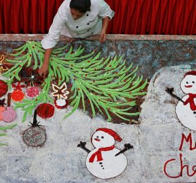 17 μέτρα κέικ! Ο ζαχαροπλάστης είχε κέφια και δημιούργησε χριστουγεννιάτικο «γίγαντα» - Κυρίως Φωτογραφία - Gallery - Video