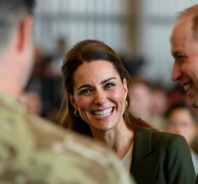 Ουίλιαμ και Κέιτ στην Κύπρο: Τα αστεία του Πρίγκιπα για το πράσινο σακάκι της γυναίκας του - Κυρίως Φωτογραφία - Gallery - Video