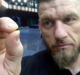 Σουηδία: Βάζουν μικροτσίπ κάτω από το δέρμα τους κι αντικαθιστούν ταυτότητα, δίπλωμα οδήγησης και πιστωτικές κάρτες (Βίντεο) - Κυρίως Φωτογραφία - Gallery - Video