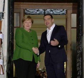 Μέρκελ σε Τσίπρα: Η Ελλάδα πέρασε δύσκολα αλλά τα κατάφερε - Κυρίως Φωτογραφία - Gallery - Video