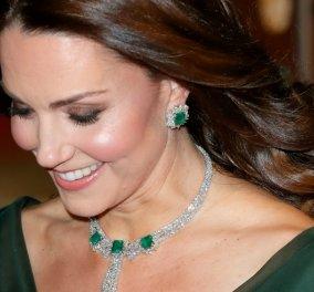 Αυτά είναι τα υπέροχα κοσμήματα που έχει λάβει η Κέιτ Μίντλεντον ως δώρα από την βασιλική οικογένεια (φωτό) - Κυρίως Φωτογραφία - Gallery - Video