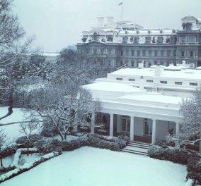 Η εντυπωσιακή φωτογραφία της Μελάνια Τραμπ με τον χιονισμένο Λευκό Οίκο - Κυρίως Φωτογραφία - Gallery - Video