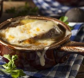 H Αργυρώ Μπαρμπαρίγου μας ετοιμάζει Κρεμμυδόσουπα Γαλλική - Η τέλεια αυθεντική διάσημη σούπα στο πιάτο σας - Κυρίως Φωτογραφία - Gallery - Video