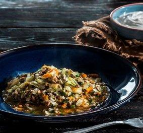 Αργυρώ Μπαρμπαρίγου: Λαχανόρυζο με πολύ τσαχπινιά – Σερβίρεται αχνιστό με λεμόνι & γιαούρτι - Κυρίως Φωτογραφία - Gallery - Video