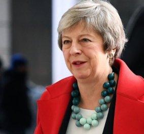 Η Τερέζα Μέι προειδοποιεί: Η καταψήφιση της συμφωνίας για το Brexit θα ήταν καταστροφή - Κυρίως Φωτογραφία - Gallery - Video