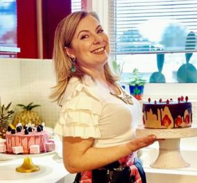 Τα γενέθλια της φίλης μας Ντίνας Νικολάου με κόκκινο φουστάνι & ασορτί...τούρτα (φώτο) - Κυρίως Φωτογραφία - Gallery - Video