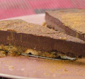 Στέλιος Παρλιάρος: Με τα μελομακάρονα που σας έμειναν βάση σε μια πανεύκολη τούρτα σοκολάτα  - Κυρίως Φωτογραφία - Gallery - Video