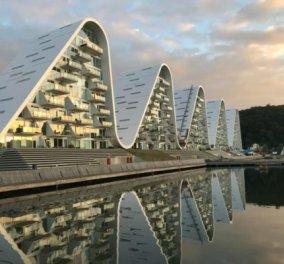 Ο εκπληκτικός Σπύρος Σούλης μας δείχνει το πιο όμορφο συγκρότημα διαμερισμάτων που θυμίζει κύματα - Φώτο   - Κυρίως Φωτογραφία - Gallery - Video