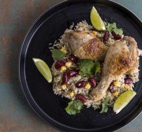 Άκης Πετρετζίκης: Κοτόπουλο με κόλιανδρο – Μια αρωματική συνταγή  - Κυρίως Φωτογραφία - Gallery - Video
