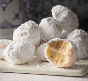 Ο Άκης Πετρετζίκης μας ετοιμάζει πανεύκολη συνταγή για σπιτικά τρουφάκια λευκής σοκολάτας με... μανταρίνι! - Κυρίως Φωτογραφία - Gallery - Video