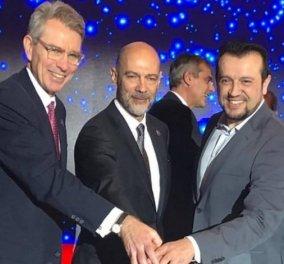 Ο Νίκος Παππάς και ο Αμερικανός πρέσβης, Τζέφρι Πάιατ, έκοψαν μαζί τη βασιλόπιτα - Σε ποιον έπεσε το φλουρί; (Φωτό) - Κυρίως Φωτογραφία - Gallery - Video