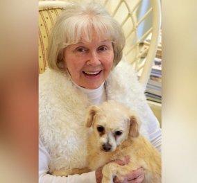 «Διαβάζω περισσότερο και ξεσκονίζω λιγότερο» – μαθήματα ευτυχίας από μια 83χρονη - Κυρίως Φωτογραφία - Gallery - Video