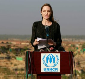 Τοp woman η Αντζελίνα Τζολί: Σπάνιες εικόνες από τη συγκινητική επίσκεψή της σε προσφυγικούς καταυλισμούς των Ροχίνγκια (Φωτό) - Κυρίως Φωτογραφία - Gallery - Video