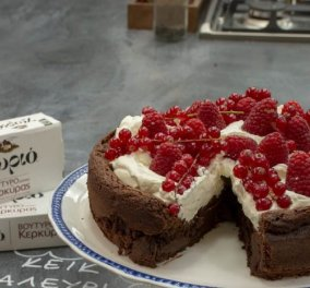 H Αργυρώ Μπαρμπαρίγου ετοιμάζει θεϊκό  Κέικ σοκολάτα χωρίς αλεύρι (βίντεο) - Κυρίως Φωτογραφία - Gallery - Video