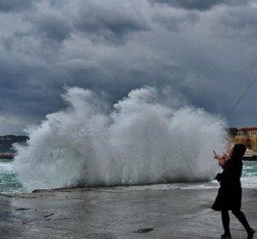 """Στη δίνη της """"Ωκεανίδας"""" : Δεμένα τα πλοία στα λιμάνια λόγω θυελλωδών ανέμων - Προβλήματα σε όλη τη χώρα  - Κυρίως Φωτογραφία - Gallery - Video"""