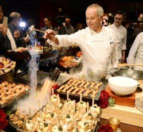Βόλφγκανγκ Πουκ: Ένας σεφ αληθινός σταρ! -25 χρόνια στις κουζίνες των Όσκαρ έχει φτιάξει... - Τι θα μαγειρέψει φέτος (φώτο-βίντεο) - Κυρίως Φωτογραφία - Gallery - Video