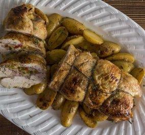 Άκης Πετρετζίκης: Μας έφτιαξε ζουμερό κοτόπουλο με αρωματική γέμιση και μαλακές πατάτες - Κυρίως Φωτογραφία - Gallery - Video