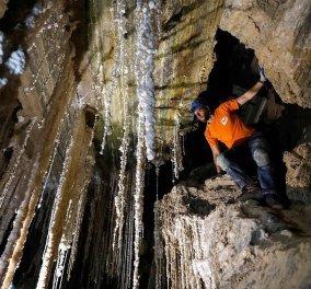 Βίντεο: Το μεγαλύτερο σπήλαιο άλατος στον κόσμο - Φτάνει τα 10 χλμ & καλύπτεται από εντυπωσιακούς σταλακτίτες   - Κυρίως Φωτογραφία - Gallery - Video